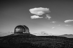 no es un cabezn soando (FJTUrban (sommelier d mojitos)) Tags: bw patagonia santacruz white black blanco argentina ruta mono noiretblanc negro bn observatory 40 observatorio laleona astronomic astronmico unlp