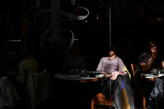 (EricLopezM) Tags: barcelona street photography restaurant shadows comida sigma eat sombras callejera 35mm28 nex6