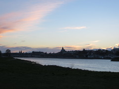 Blois le soir (asmoth360) Tags: sunset clouds cathdrale ciel soire nuages soir loire ville fleuve blois partlycloudy