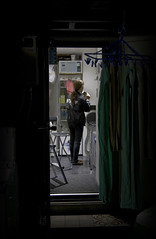 Tokyo 3489 (tokyoform) Tags: street city chris people urban hot girl japan night canon dark japanese tokyo noche donna calle mujer asia cityscape nacht femme mulher ciudad tquio stadt noite   japo frau rue nuit japon ville shimbashi tokio   6d japn  wanita        japonya  nhtbn strase jongkind           chrisjongkind  tokyoform