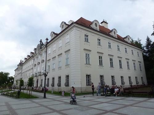 Pałacu Schaffgotschów  (1784-88) w Cieplicach Śląskich-Zdrój od północnego zachodu