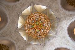 IMG_1028 (anne_dietel) Tags: architecture uae mosque chandelier abudhabi sheikhzayed sheikhzayedmosque
