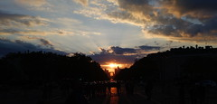 Coucher de soleil sur la dfense (cyril.franconie) Tags: paris arcdetriomphe