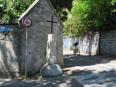 Space Invader GRN_54 (tofz4u) Tags: street people streetart france bike bicycle sign grenoble tile cross mosaic spaceinvader spaceinvaders invader rue velo panneau vlo 38 croix mosaque isere artderue 5t calvaire isre rhezus grn54