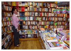 Lovely bookshop (including the owner) (swenwllter) Tags: ireland galway erin books eire bookstore connemara bookshop bookstores libreria clifden librerias