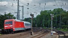 Curved Rails 3 (cokbilmis-foto) Tags: station train germany ic track sony tracks rail rails nrw curve dusseldorf curved dsseldorf volkspark duesseldorf almanya rx100