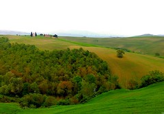 Tuscan hills ( cris  (searching for testimonials :)) Tags: verde green rural landscape chapel chiesa campagna tuscany fields toscana valdorcia cappella campi rurale coth vitaleta abigfave absolutelystunningscapes