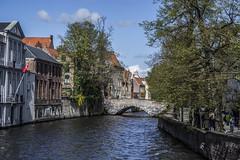 Brugge (Adri Pez) Tags: city bridge trees houses sky water clouds buildings puente canal edificios agua belgium brugge belgi ciudad cielo nubes rbol bruges casas brujas flanders westflanders oeste flandes
