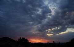 La Provence @ Dawn (Hlne_D) Tags: cloud mountain france alps montagne alpes sunrise dawn paca aviary provence nuage leverdesoleil montdor aube alpesdehauteprovence ahp manosque provencealpesctedazur tourdumontdor hlned
