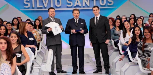 """""""Funcionário do SBT que não me chamar de doutor tá na rua!"""", diz Silvio"""