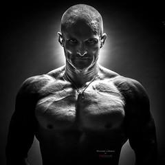 (Jojo Samek - Jojo`s Photography) Tags: light bw man muscles studio photo blackwhite photographer body extreme terminator bodybuilder assassin atelier jojos lovemyjob wwwjojosamekcom jojosamek