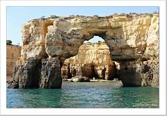 Acantilados de El Algarve - Portugal (Lourdes S.C.) Tags: portugal mar rocas acantilados elalgarve