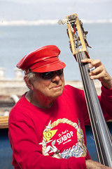 Seabop (David Gallagher) Tags: sanfrancisco red musician bass unfoundinsf