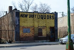 New Drift Liquors (Cragin Spring) Tags: city urban chicago abandoned austin illinois midwest chitown il liquors liquorstore chicagoillinois chicagoil windycity newdriftliquors