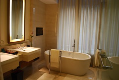 Oberoi Gurgaon (Josh Friedman Luxury Travel) Tags: india bathroom hotel delhi gurgaon