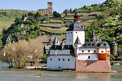 201305_Rhine Moselle_135.jpg (Johnchess) Tags: cruise germany rhine bellevue kaub rhinelandpalatinate pfalzgrafensteincastle may2013
