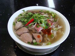 Pho Thai Hang 2 Pho Dac Biet (knightbefore_99) Tags: hot lunch soup vietnamese bc beef bean vietnam basil noodles pho sprouts phodacbiet phothaihand2