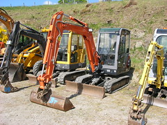 DSCN3437. Tracked digger (ronnie.cameron2009) Tags: scotland scottish diggers tracked dingwall scottishhighlands rossshire highlandsofscotland rosscromarty humberston salebyauction dingwallrosscromarty humberstonauctionmart scottishhighlandsofscotland dingwallhighlandauctionmart