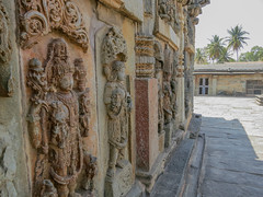 082 (rufusruffin) Tags: people india temple culture hassan belur chennakesava
