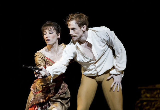 Edward Watson as Crown Prince Rudolf and Mara Galeazzi as Mary Vetsera in Mayerling © ROH / Bill Cooper 2009
