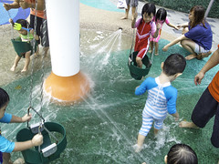 Waterplay at Changi City Point (Boon Ong) Tags: water playground kids shopping fun happy center changi waterplay spraying