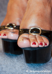 untitled shoot-2-17 (Mrs Lynn) Tags: blackandwhite black sexy shoes toes highheel pumps bbw thighs mature barefoot heels barefeet wrinkles milf soles ebony plump thick platforms wedges filf silf opentoepumps mrslynn softsoles ebonysoles wrinklesoles clearplatforms plumptoes
