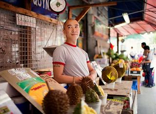 在纽约卖榴莲的中国人