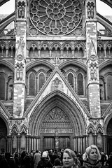 Westminster Abbey - North Entrance (chris rs197) Tags: london church monochrome westminster westminsterabbey cathedral voigtlander40mmf14 leicam8