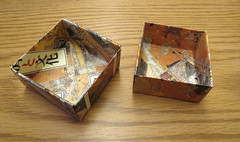 The paper boxes that Martha makes are very impressive (benchilada) Tags: paper that very martha boxes makes the impressive2