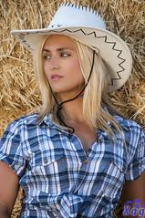 Go (Xag.) Tags: hat shirt posed thinking blonde rubia sombrero hay cowgirl heno camisa pensando posado vaquera xag elenaalbarran