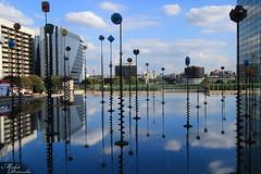 Esplanade de la Defense (Michele Delvecchio) Tags: panorama paris france ladefense grattacielo colori fontana francia defense parigi riflesso esplanadedeladefense