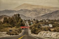 Entrando a Nazca (Marcos GP) Tags: ciudad sur welcome pista ica nazca panamericana nasca marcosgp