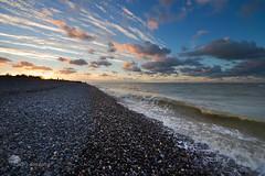 Les pes de lumires (photosenvrac) Tags: ocean mer landscape photo normandie nuage paysage vague plage picardie galet grandsespaces thierryduchamp