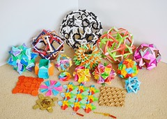 Tri-Monthly Round-up! (Byriah Loper) Tags: paper compound origami memo modular complex polygon paperfolding folding polyhedron modularorigami pentagonal byriahloper