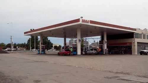 ESSO Servicentro Luján (Cifama S.R.L.) - Estación de servicio