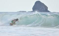 El tubo (Jorge Diaz Ponce) Tags: sea water sport mar agua surf wave surfing melaque ola deportes