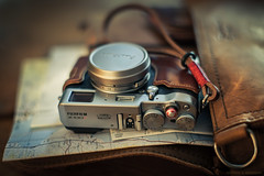 Fuji X100T in Leather 221:365 (EspressoTime) Tags: fuji fujifilm fujix100t leather sbl gordonstraps gordyscamerastraps cameracase canon 5dmkii 50mm bokeh product cool cameraporn camera espressotime nathanharrison 99 exposure commercial fashion style lifestyle 365 project365 man men photographer retro look saddleback saddlebackleather tobacco