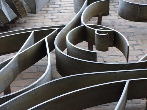 1970 Potsdam Detail Natur und Technik Metallgestaltung von Werner Nerlich Aluminium Schwimmhalle Am Brauhausberg Max-Planck-Straße 10 in 14460