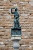 Replica della Giuditta e Oloferne di Donatello (andrea.prave) Tags: toscana tuscany toscane toskana тоскана 托斯卡纳 トスカーナ州 توسكانا florencia florence فلورنسا 佛罗伦萨 フィレンツェ флоренция florenz italia italy イタリア איטליה 意大利 италия إيطاليا italie italien statue تمثال 雕像 פסל 彫像 άγαλμα estátua статуя estatua heykel scultura изваяние sculpture skulptur escultura نحت 雕塑 彫刻 piazzadellasignoria palazzovecchio comune replica giuditta oloferne donatello