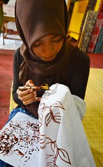 Batik Fabric its to DYE for! DSC_5338 (JKIESECKER) Tags: people art sumatra indonesia crafts artisans indigenouspeople