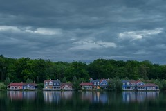 Au bord du Lac de l'Ailette (pourkoiaps) Tags: travel sky lake france home spring weekend cottage lakeside ciel paysage printemps calme laon srnit lakescape aisne lacdelailette 50mmf14afs nordpasdecalaispicardie nikond750
