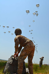 060216_A4_All American Week 2016 concludes with Airborne Review (FortBraggParaglide) Tags: soldier us unitedstates northcarolina airborne fortbragg paratrooper 82ndairbornedivision 1stbrigadecombatteam 3rdbrigadecombatteam 2ndbrigadecombatteam allamericanweek divarty 82ndcombataviationbrigade 82ndairbornedivisionsustainmentbrigade aaw2016 airbornereview