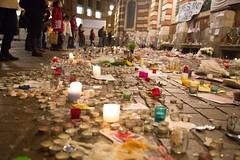 01 - Recueillement place du Capitole (19/11/15) (AMToulouse) Tags: toulouse placeducapitole archivesmunicipales jesuischarlie 13novembre2015 tmoignagesattentats
