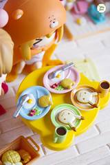 Breakfast (Ylang Garden) Tags: orange baby rabbit yellow miniature families rement megahouse sylvanian goodsmile umaru nendoroid
