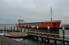 Amadeus in de havenmond (Romar Keijser) Tags: haven sign call amadeus delfzijl coaster texel imo skil oudeschild mmsi pbjk 9281592 244316000