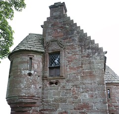 Edzell Castle (44) (arjayempee) Tags: edzellcastle angus forfarshire scotland castle towerhouse mounthpasses glenesk northesk lindsayofedzell earlofcrawford edzellcastlegardens stirlingofglenesk baronyofglenesk fortress courtyardcastle av6a548788stitch