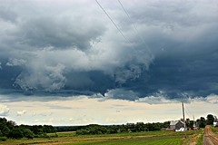 I see a funnel!!! (cheliman) Tags: wall strong rotation thunderstorm storms funnel severe tornadic funnelcloud nwpa therebeastormabrewin