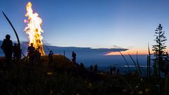 20160624-Sonnwende-02 (andreas.breu1) Tags: feuer fire sonnenuntergang abend berg mountain sonnenwende tradition baum
