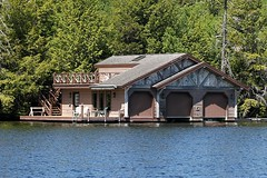 Camp Building Along Lake Placid 012 (Chrisser) Tags: trees mountains lakes lake water camps camp nature lakeplacid newyorkstate usa canoneosrebelt1i canonefs60mmf28macrousmprimelens outsidecanada travel lens00025 digital