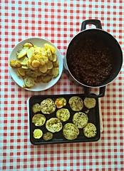 Vegetable moussaka (Dai Lygad) Tags: aubergines aubergine vegetables vegetable potatoes potato cooking food vegetarian stockphoto stockimage ingredients ragu veggie table paysdegalles